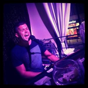 Nick Piano Kensington 2013 - Henni